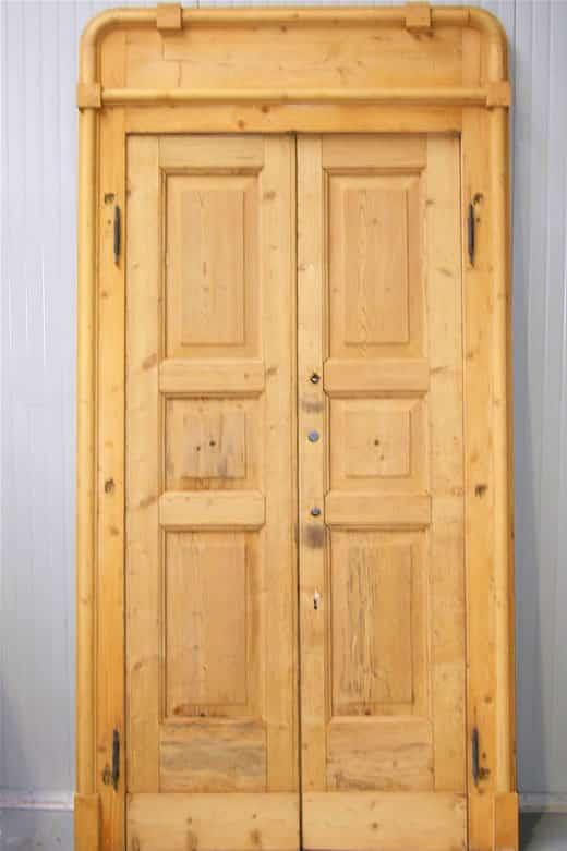 Aggiustatura porte – Porta con stipite
